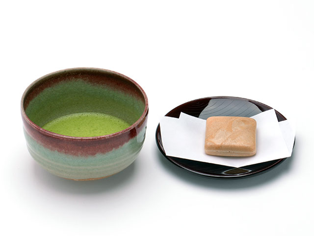 Matcha with bean‐jam‐filled wafers